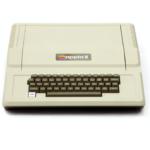 Steve Jobs presenta l'Apple II: era il 17 aprile 1977
