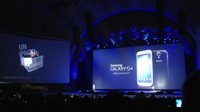 Samsung presenta il galaxy s4 3184