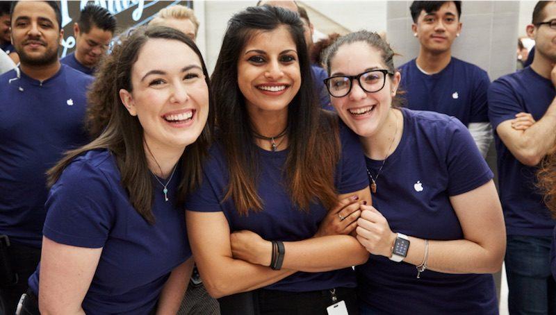 Apple team members 800x454