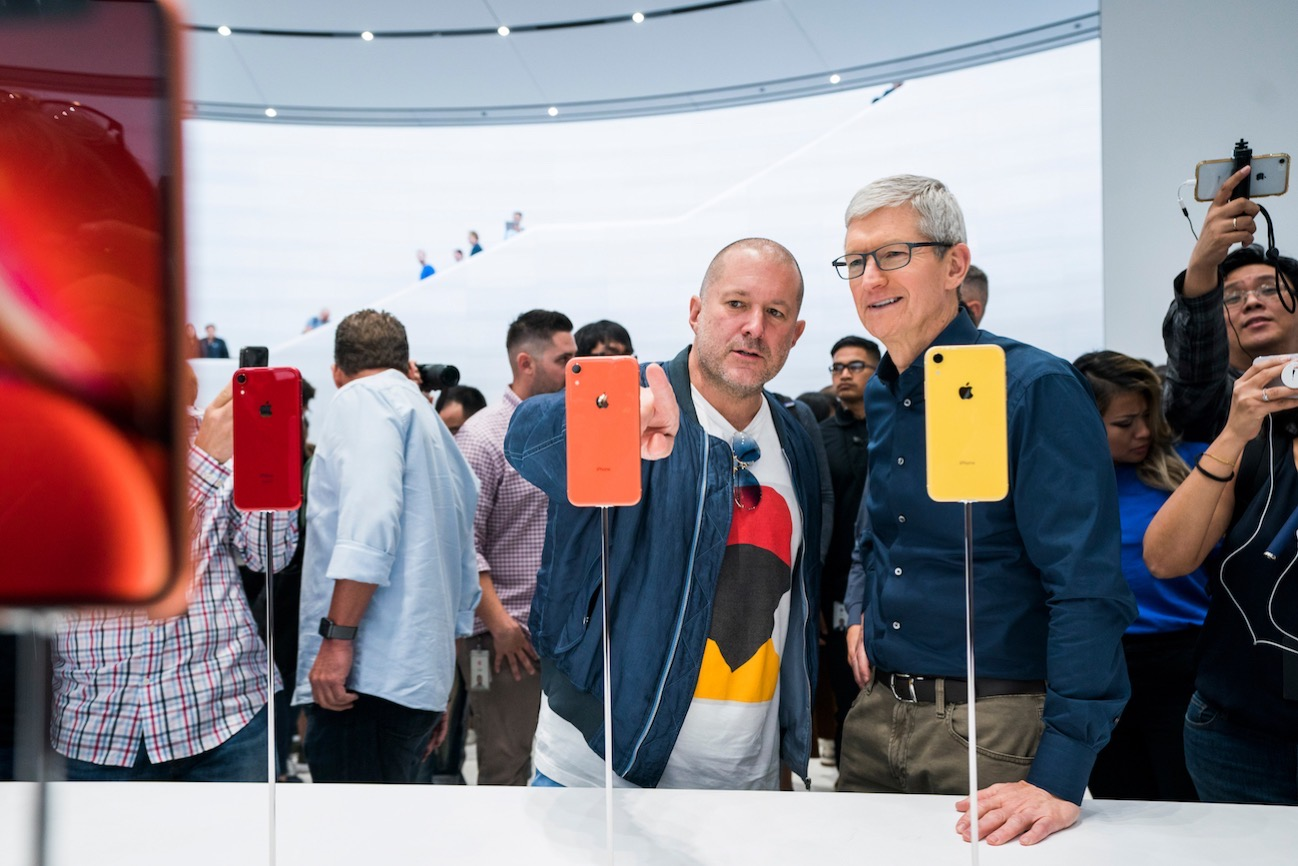 Apple update tim cook jonathan ive 062619