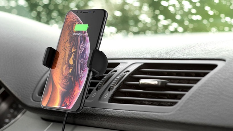 Belkin F7U053 wireless charging vent mount photo lifestyle dashboard iphone v01 r01 820x461 us