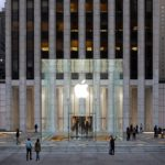 Apple Fifth Avenue: il cubo è tornato (le foto spettacolari)