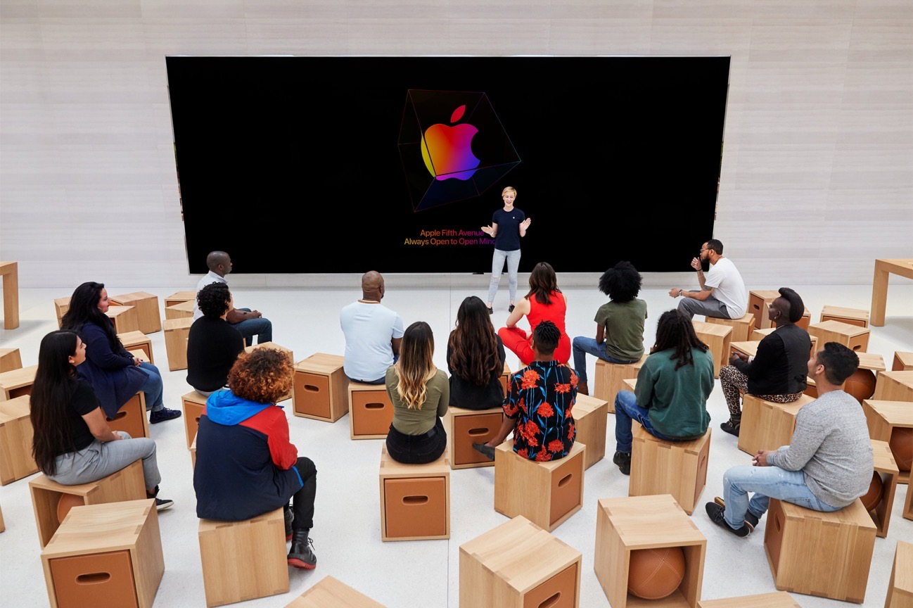 Apple Store fifth avenue new york today at apple setup 091919