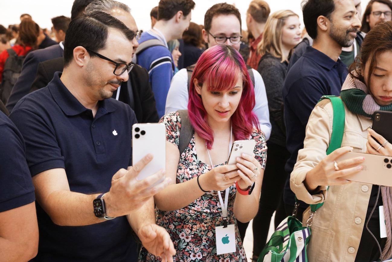 Apple Keynote Event Team Members Demo iPhone 11 Pro 091019